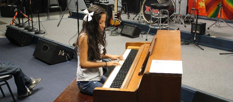 Amy_piano